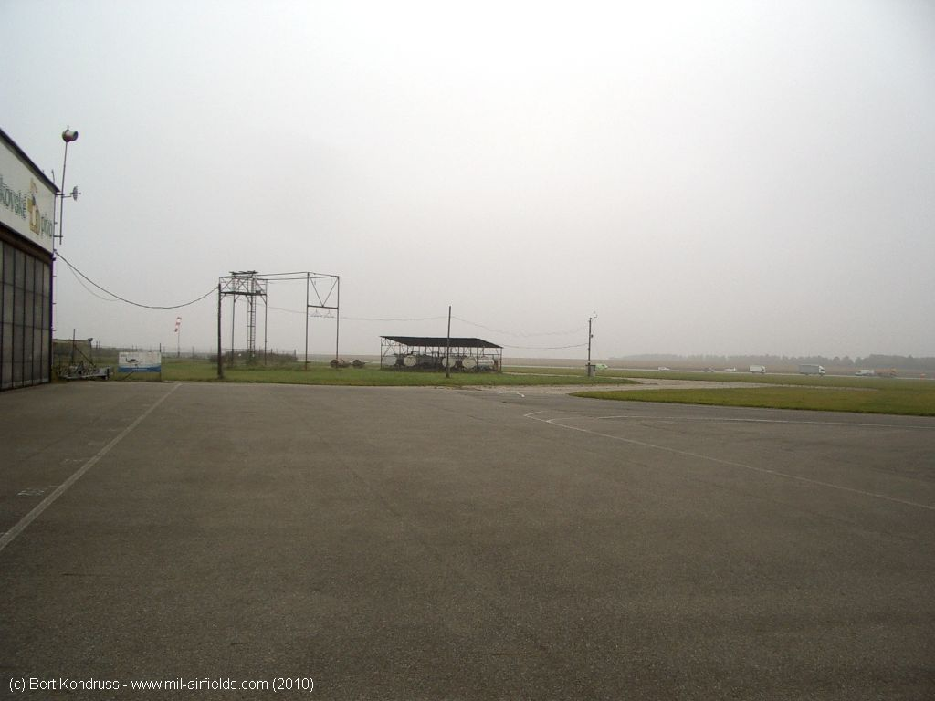 View from the hangar in northeast direction