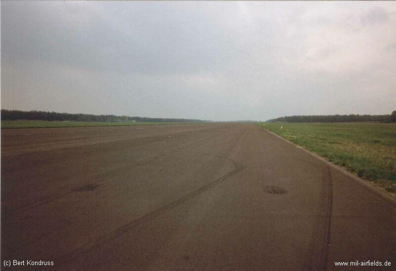 Start- und Landebahn Flugplatz Alteno