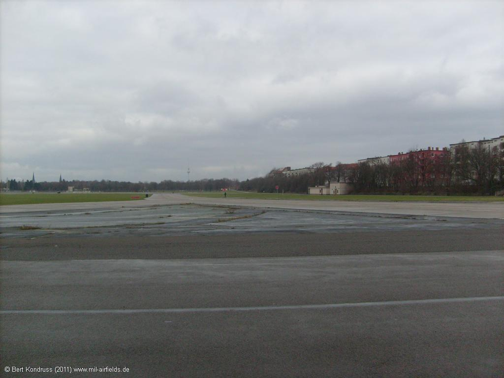 Taxiway East I, looking north