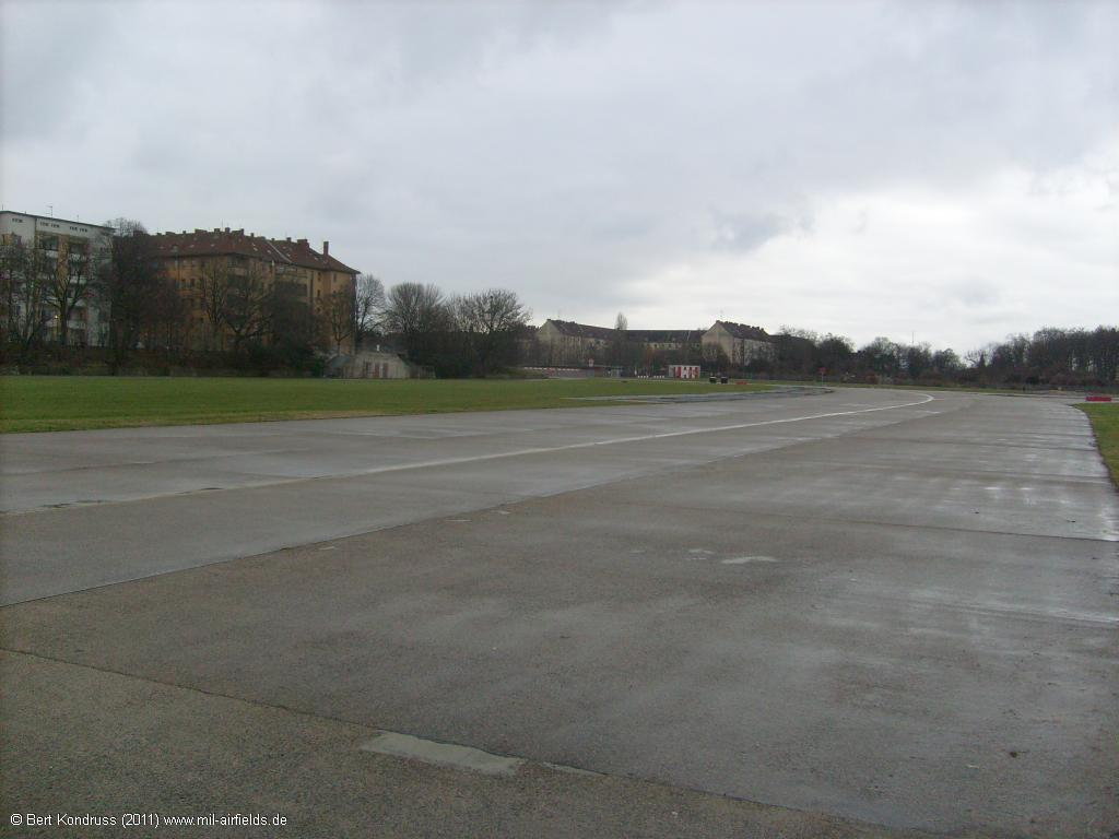 Taxiway East I