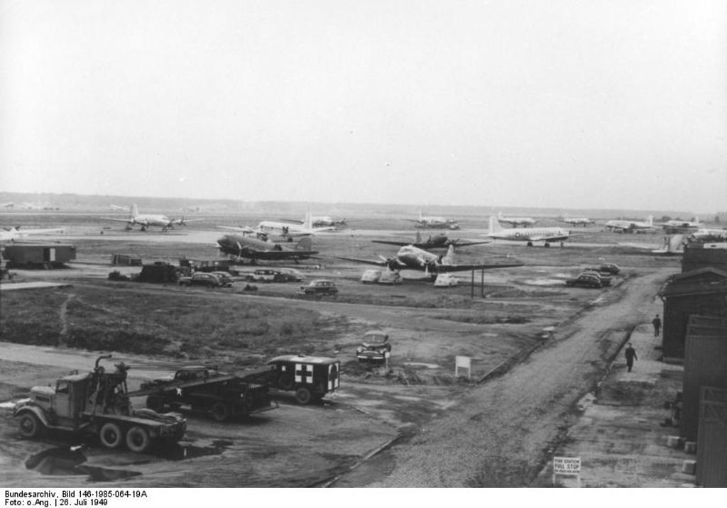 Frankfurt Rhein/Main airport during the Berlin Airlift in 1949