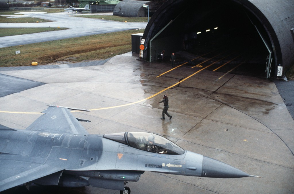 USAF F-16A Fighting Falcon in front of a Shelter at Hahn