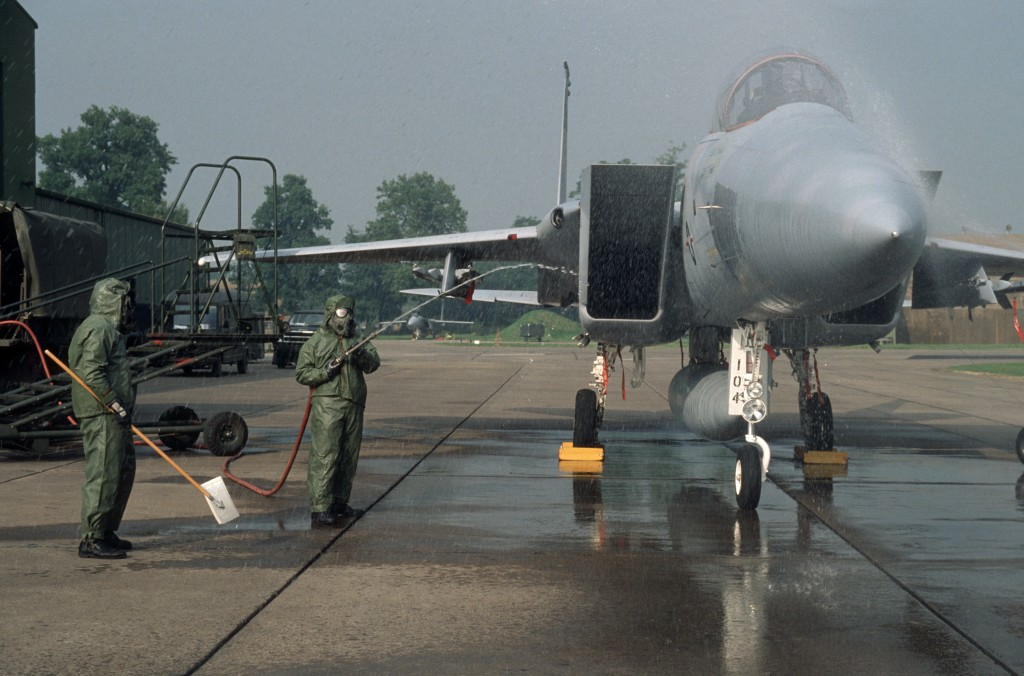 Decontamination of an aircraft F-15 of the US Air Force at Lahr Air Base