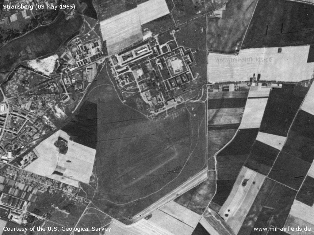 Strausberg airfield and the East German Ministry of National Defence (MfNV)