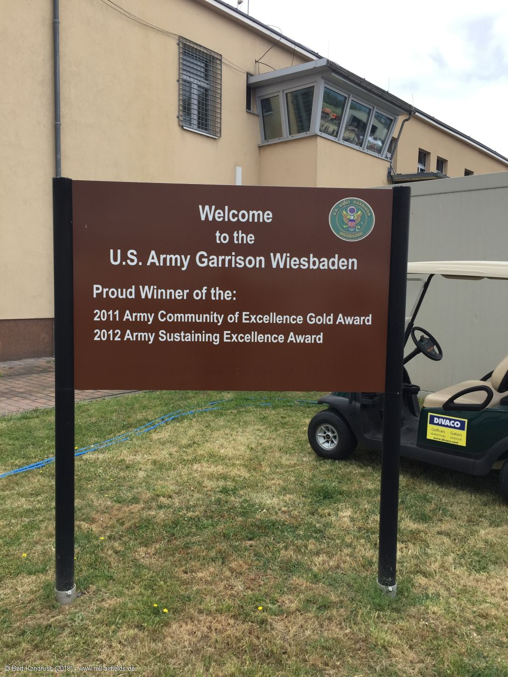 Tafel: Welcome to the U.S. Army Garrison Wiesbaden