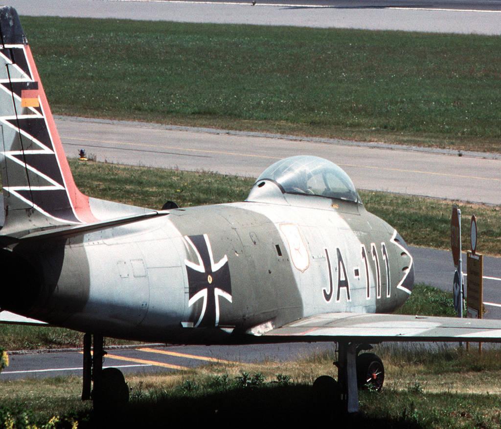 Canadair CL-13B (F-86) Sabre JA-111 der Luftwaffe