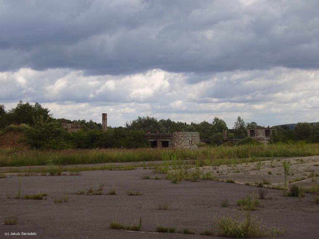 Gebäude Flugplatz Chojna