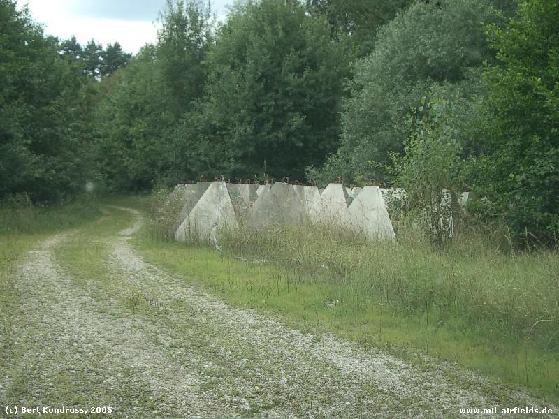 Jugoslawische FlaRak-Stellung bei Gorica: Sperren