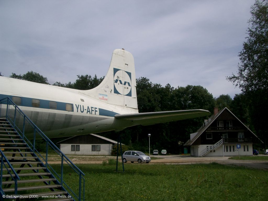 Heck DC-6 YU-AFF der Adria Airways